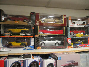 Over 250 1/18 Diecast Cars. Also Books,Brochures & Magazines