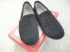 Variety of Brand New Children's Slippers London Ontario image 4