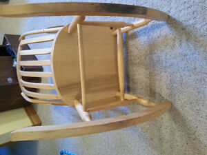 Excellent Quality Rocking Chair...reduced price London Ontario image 4