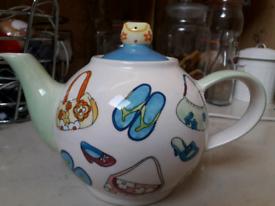 Large family teapot