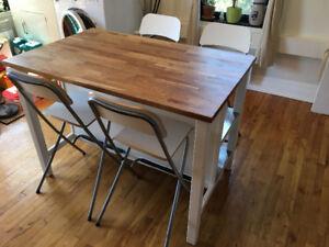 Îlot de cuisine butcher's block avec 4 chaises hautes (IKEA)