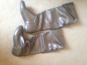 2 pairs ladies boots Cambridge Kitchener Area image 4