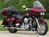 2011 Harley-Davidson CVO Screamin' Eagle Road Glide FLTRUSE