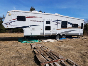 2009 34 ft 5th wheel with bunk room