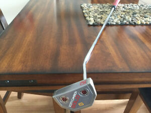SCOTTY CAMERON GOLO5 PUTTER