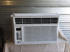 2017 LG window A/C unit with remote-barely used $200 OB