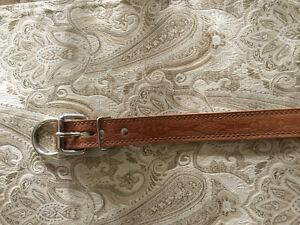 Stephi leather collar