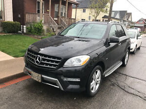 2012 Mercedes-Benz M-Class ML350 SUV, Crossover