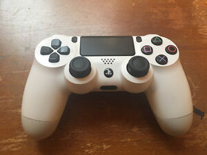 Selling 3 PS4 Controllers - $40 Each Peterborough Peterborough Area image 4