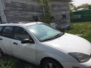 2003 Ford Focus Wagon Fully loaded sunroof ice cold a/c