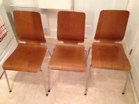 3 chaises / 3 chairs