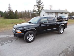 2004 DODGE DAKOTA QUAD CAB - V6 AUTO, SUPER CLEAN $4595.CERT & E