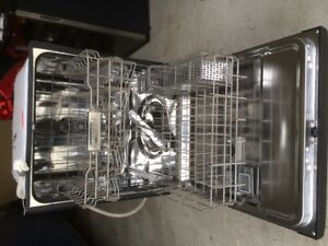 Maytag Dishwasher in EXCELLENT CONDITION!