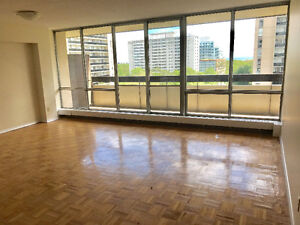 Spacious, Bright 3 bedroom apartment - High Park -July