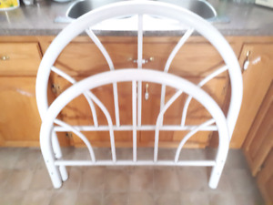 Twin metal headboard and footboard and rails good condition
