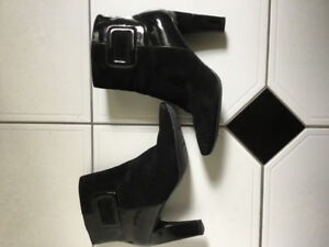 NIne West leather booties- brand new!