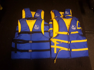 4 x Adult Personal Flotation Devices