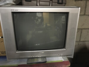 Colour tube Tv with remote -$5.00
