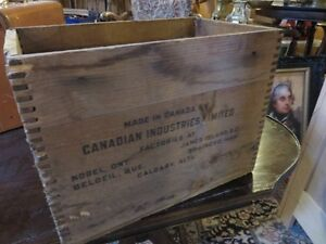 VINTAGE FORCITE WOODEN BOX IN GOOD CONDITION