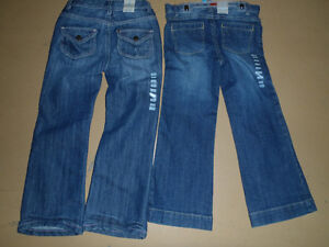 BRAND NEW JEAN/PERFECT FOR THIS SEASON