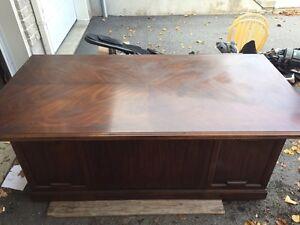 Beautiful Solid Wood Antique Desk Kingston Kingston Area image 7