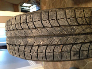 4 Michelin X-Ice  tires on steel rims 235/65 R17