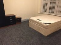 1 bed room available, Bills included, Didsbury,close to transport, all amenaties, shops, metro,train
