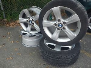 SET OF FOUR 17' BMW OEM  ALLOY RIMS WITH TWO TIRES
