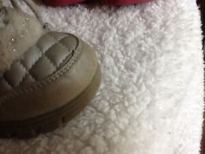 Size 9 silver winter children's place boots Kingston Kingston Area image 2