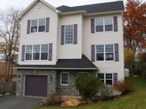 4-bed/4-bath water view house in Clayton Park/ Rockingham