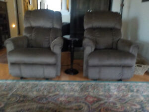 Two Quality LaZ Boy chairs for sale