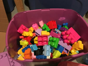 Mega blocks - unorganized variety (with container!)