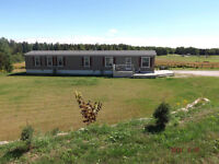 3 bedroom Country home with large yard & 2klm from town.