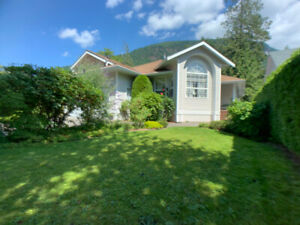 Private Riverfront Rancher Home in Harrison Hot Springs