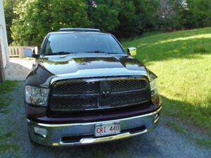 2012 Ram Laramie 1500 Crew cab Loaded