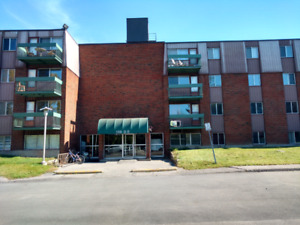 Gatineau Apartment Available Immediately!