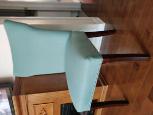 Accent chair /Chaise d'appoint