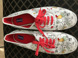 Keds women's 9.5 Brand New never worn Discontinued Print