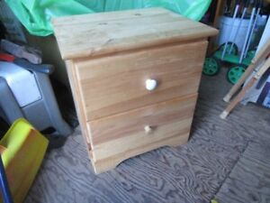 PINE BEDSIDE TABLES / DRAWERS (2)