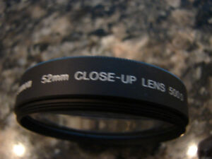 Canon 52 mm 500D Close-up Lens complete with a case