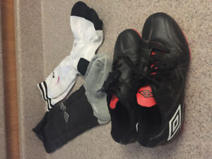 Size 13,5 Umbro cleats with socks