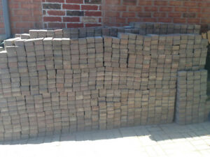 280 BRICKS 3 FOR A $1 FOR PATIO CALL OR  TEXT 647 338 5127
