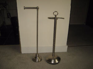 2 TOILET PAPER STANDS