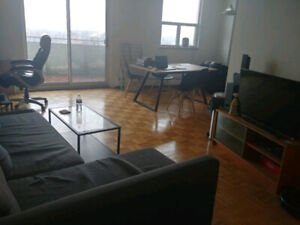 Bayview and Sheppard - Penthouse room available! - August 1st
