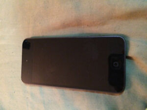 32gb IPod Touch 6th Gen (newest version). Perfect condition.