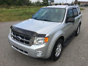 2009 Ford Escape XLT, 4X4, V6, EXCELLENTE CONDITION, FULL EQUIP