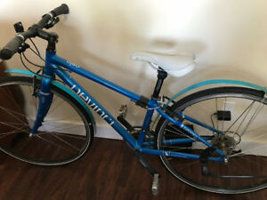 deVinci ladies hybrid bike for sale