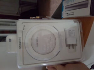 Samsung wireless charger - NEW
