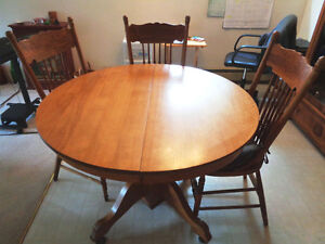 Antique Dining Room Set for Sale.