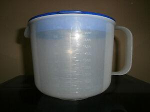 Tasse à mesurer Tupperware - 8 tasses